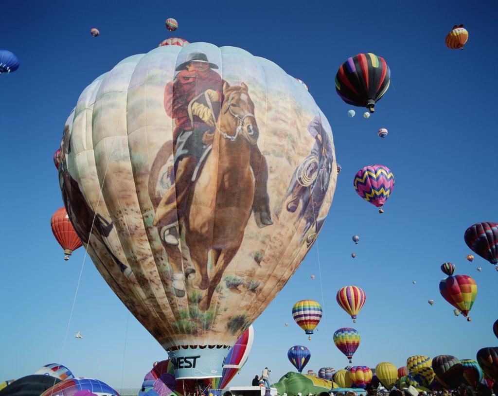 USA, New Mexico, Albuquerque, Albuquerque Balloon Fiesta / Colourful Hot Air Balloons : Stock Photo