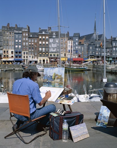 Stock Photo: 1606-148256 France, Normandy, Honfleur, Honfleur Harbour / Artists