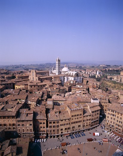 Stock Photo: 1606-148402 Italy, Tuscany (Toscana), Siena, Piazza del Campo / View from Torre del Mangia