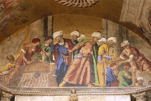 Stock Photo: 1606-148452 Italy, Veneto, Venice, St.Mark's Basilica (Basilica di San Marco) / Façade Mosaics / Body of St Mark being taken from Alexandria