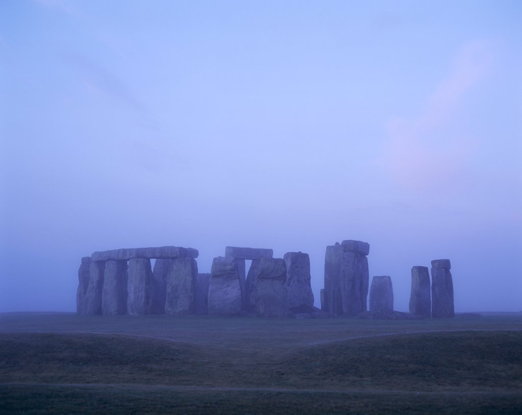 England, Wiltshire, Stonehenge / Dawn : Stock Photo
