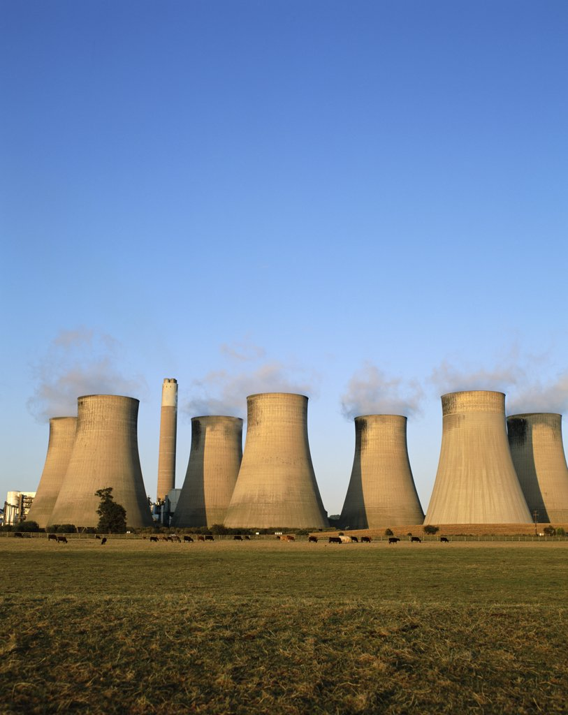 Stock Photo: 1606-150160 England, Nottinghamshire, Radcliffe 0n Trent, Coal Fired Power Station Cooling Towers