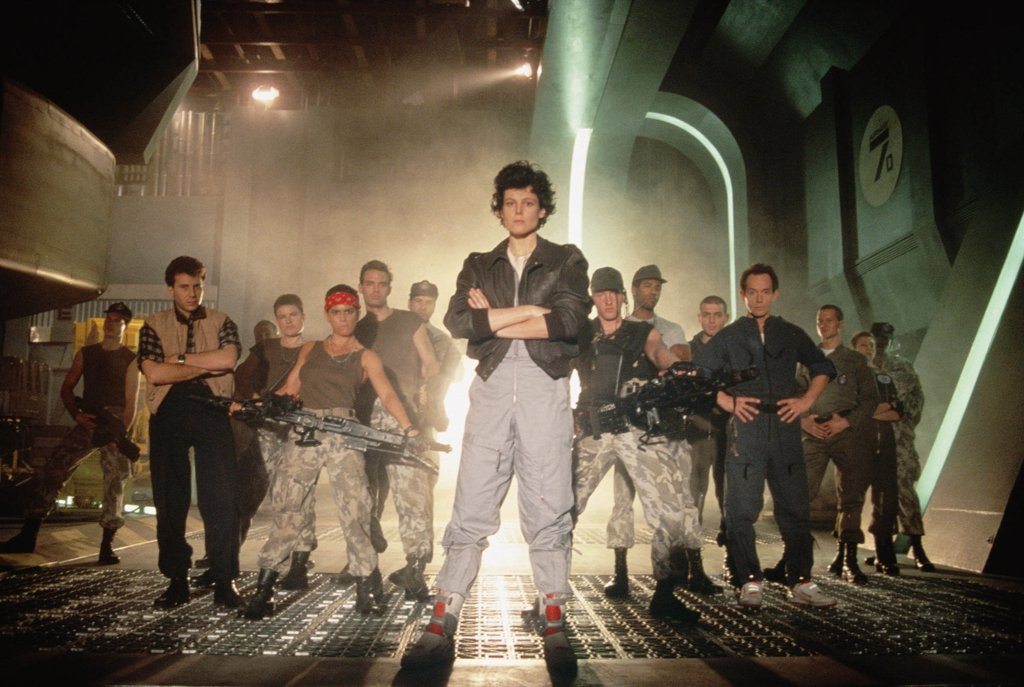 Sigourney Weaver ,Paul Reiser, Michael Biehn, Jenette Goldstein, Lance Henriksen / Aliens 1986 directed by James Cameron : Stock Photo