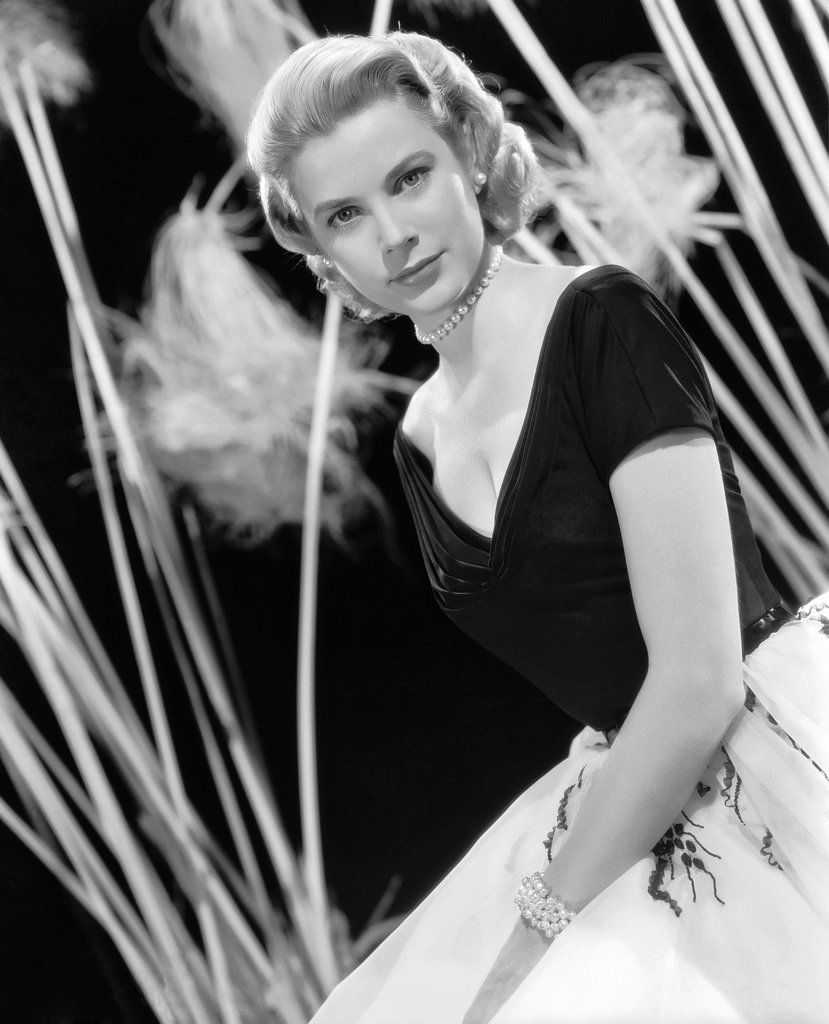 Stock Photo: 1606-152293 Grace Kelly / Rear Window 1954 directed by Alfred Hitchcock