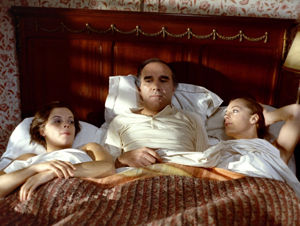 Stock Photo: 1606-153812 LE TRIO INFERNAL 1973 DIRECTED BY FRANCIS GIROD - Mascha Gomska, Michel Piccoli and Romy Schneider