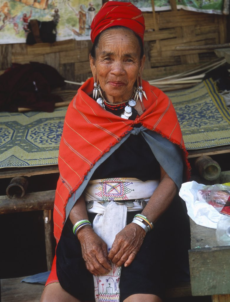 Thailand, Mae Hong Son, Nai Soi, Karen tribeswoman, : Stock Photo