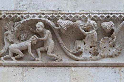 Détail of the Palazzo della SS.Annunziata;Abbruzzia;Italia : Stock Photo