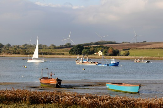 Stock Photo: 1606-161845 France,56, Pénestin, Small port Tréhiguier at the estuary of the Vilaine, wind turbines in Arzal town