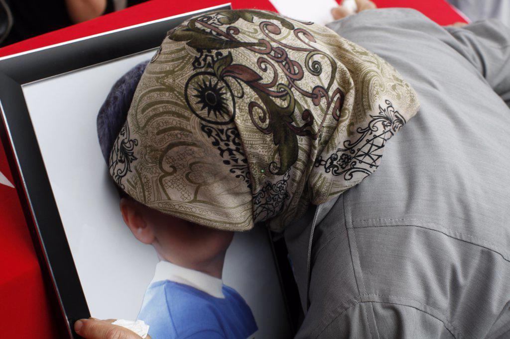 Stock Photo: 1606-163030 Child's funeral . Istanbul. Turkey. (Istanbul, Marmara, Turquie)