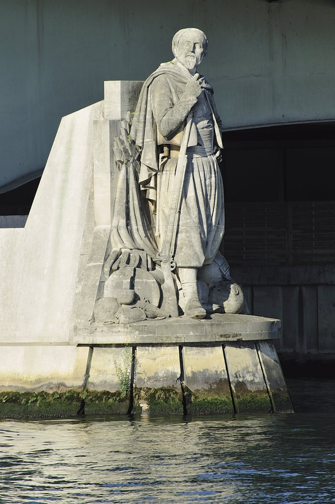 "France, Ile-de-France, Paris, 8th, Bank of the Seine, Bridge(Deck) of the Alma, Rules: """"Zouave"""" : Stock Photo"