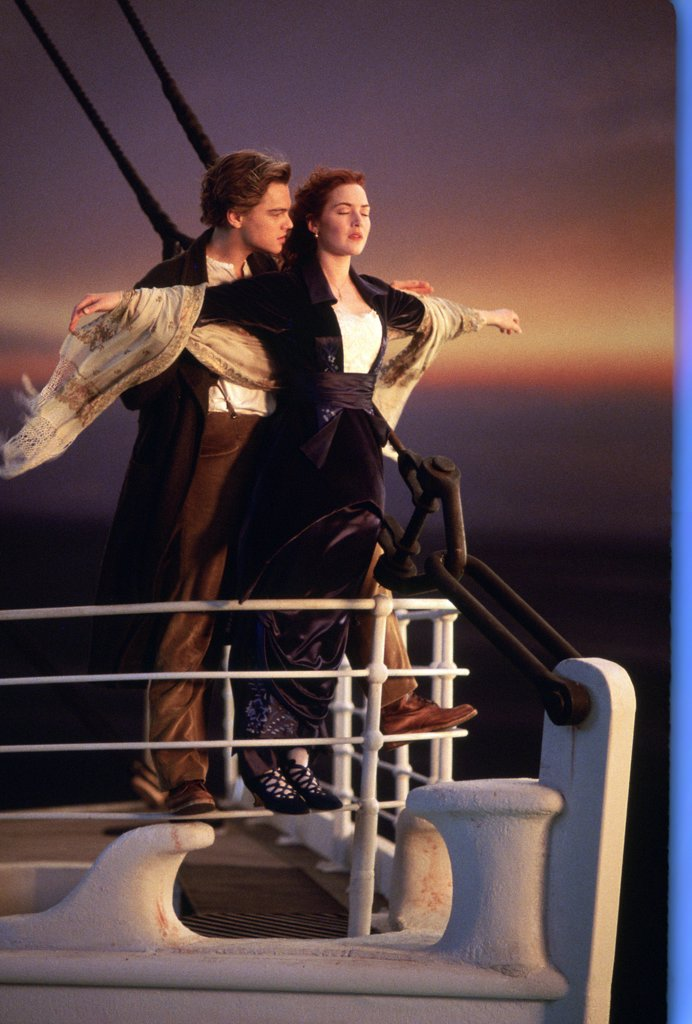 Stock Photo: 1606-166633 Leonardo DiCaprio and Kate Winslet , Titanic , 1997 directed by James Cameron [Twentieth Century Fox Pictures]