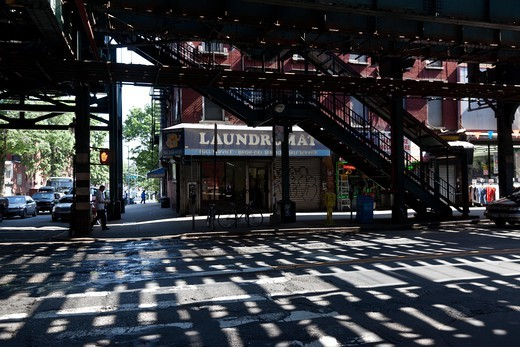 New York - United States, Marcy elevated sybway station in Brooklyn : Stock Photo