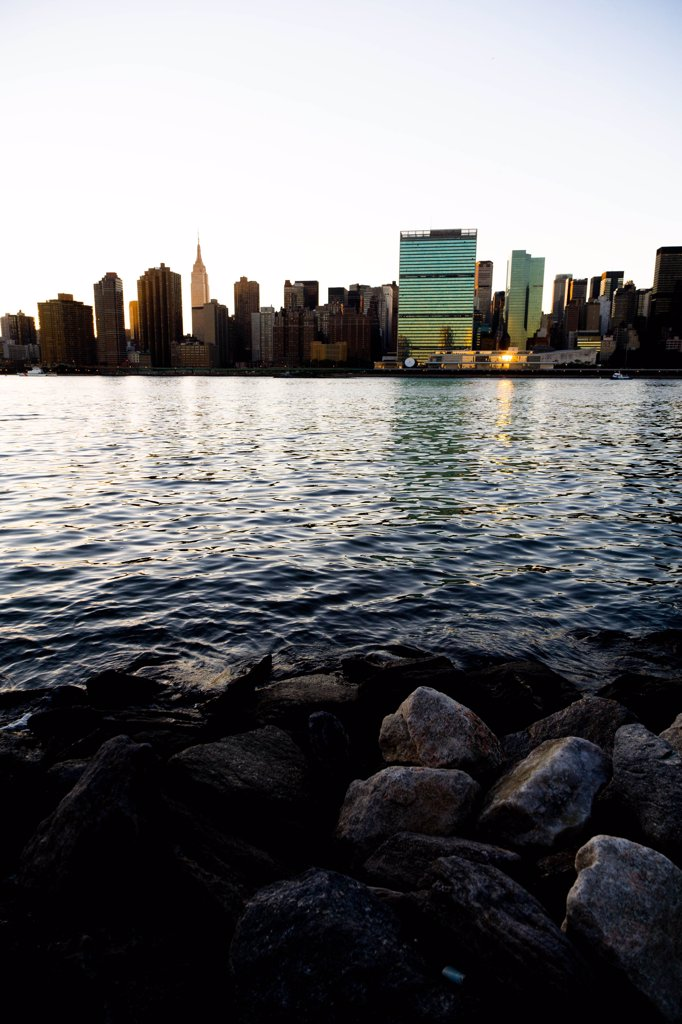 Stock Photo: 1606-168841 New York - United States, Manhattan Skyline, East river, at sunset