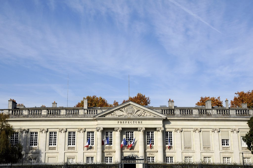 Stock Photo: 1606-169622 France, 44, Nantes, Pediment of the Prefecture, French flag