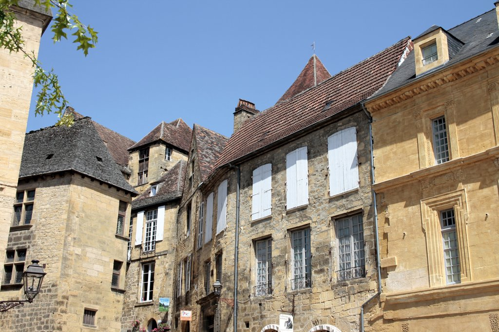 France, Aquitaine, Dordogne, Sarlat, old city, Liberty square : Stock Photo
