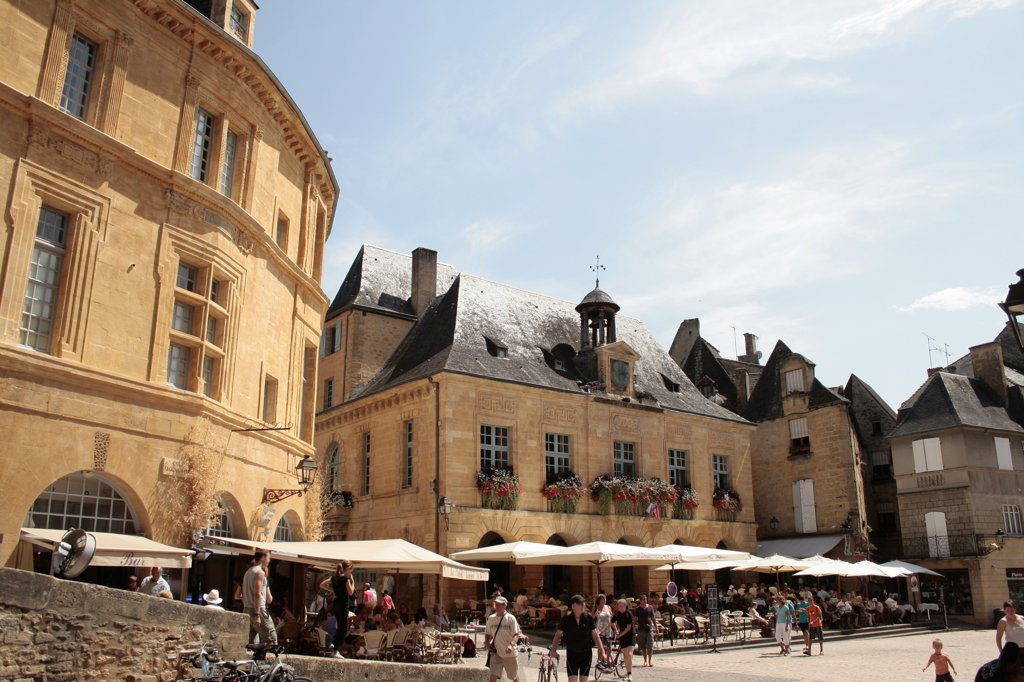 Stock Photo: 1606-170910 France, Aquitaine, Dordogne, Sarlat, old city, Liberty square