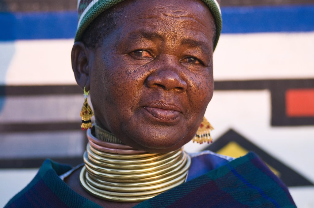 Stock Photo: 1606-172148 Africa, South Africa, Mpumalanga Province, KwaNdebele, Ndebele tribe, Mabhoko village, the artist Francina Ndimande
