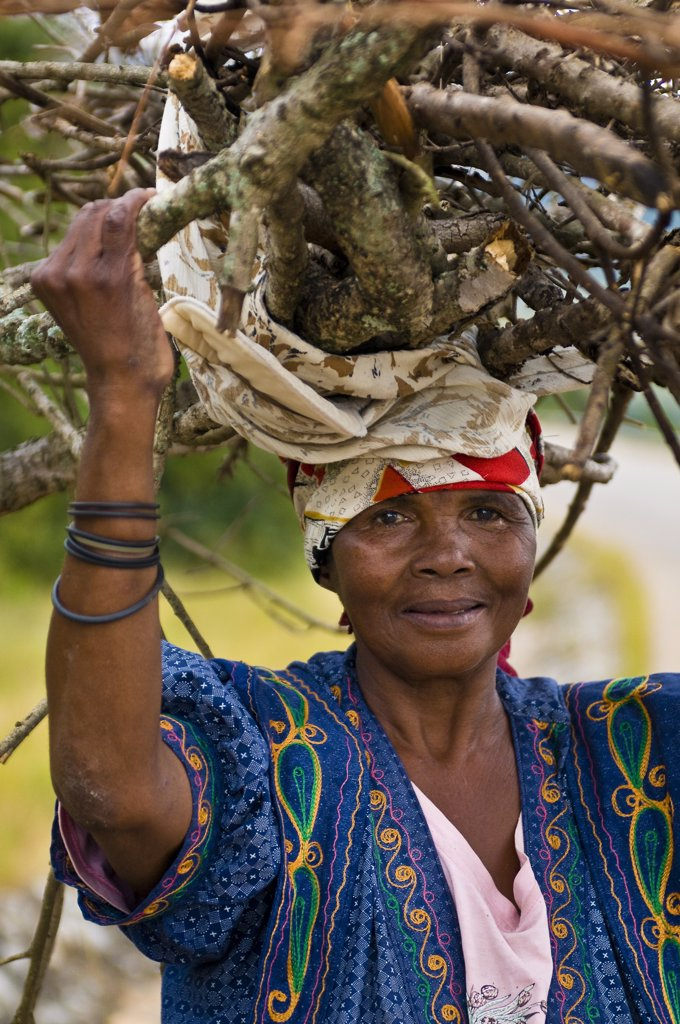 Africa, Swaziland Kingdom, Hhohho Province, Ezulwini valley, Swazi woman : Stock Photo