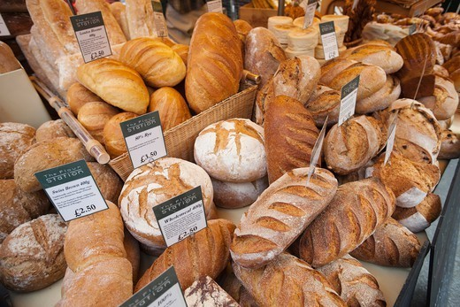 England,London,Southwark,Borough Market,Bakery,Bread Display : Stock Photo