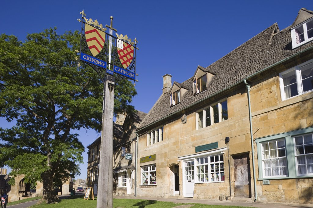 Stock Photo: 1606-174467 England,Gloustershire,Cotswolds,Chipping Campden,Heraldic Town Sign