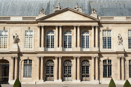 Stock Photo: 1606-176828 PARIS - THE MARAIS DISTRICT - NATIONAL ARCHIVES - FACADE OF THE HOTEL OF SOUBISE