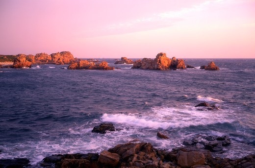 Stock Photo: 1606-177211 France, Cotes-d'Armor(22), Plougrescant, the Pink Granite Coast at dawn,