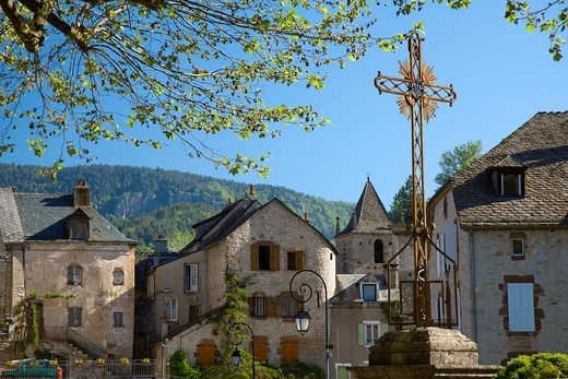 Stock Photo: 1606-177302 France, Lozère (48), Canourgue, the village has retained a historic center consists of narrow streets and historic buildings