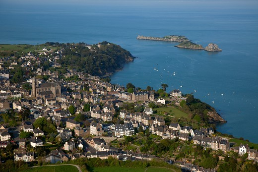 Stock Photo: 1606-178289 France, Ille-et-Vilaine (35), Cancale port city situated at the western end of the bay of Mont Saint-Michel, on the Emerald Coast (aerial photo),