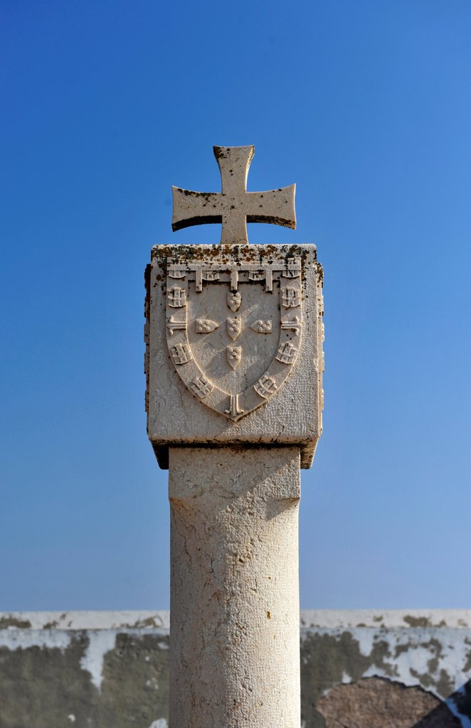 Stock Photo: 1606-178606 Monument to Henry the Navigator,Castle in Sagres,Portugal,South Europa,Europa
