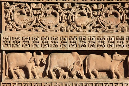 Stock Photo: 1606-180151 India, Gujarat, Ahmedabad, Swaminarayan Hindu Temple, stone carving, detail,