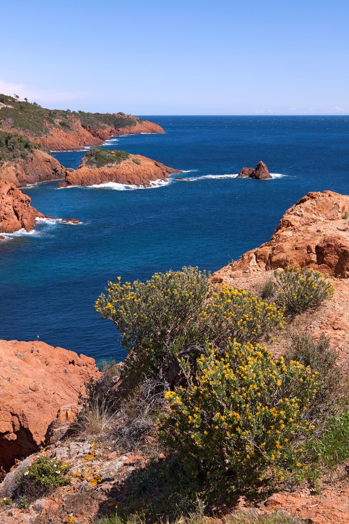 Stock Photo: 1606-181173 France, Var (83), The Esterel, coastal landscape of the Mediterranean, the Corniche d'Or, to Saint Raphael and Frejus,