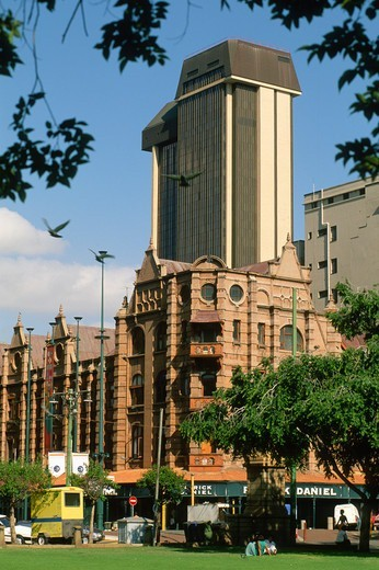 Stock Photo: 1606-183650 South Africa, Pretoria, Church Square, street scene,