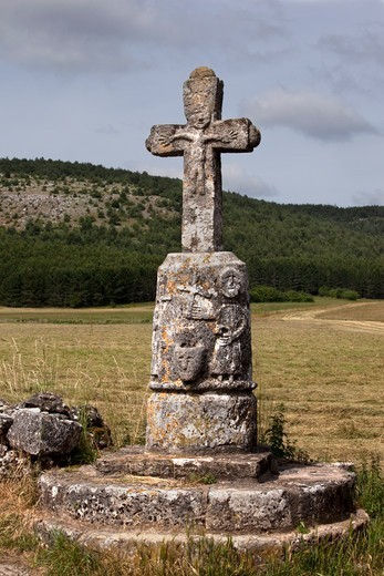 Stock Photo: 1606-184009 France, Lozere,Causse Mejean,cross of the village Le Buffre