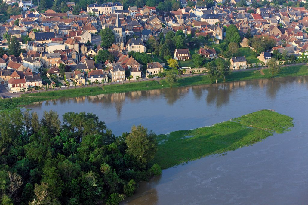 Stock Photo: 1606-186103 France, Nièvre (58), Pouilly-sur-Loire village of Vineyard, located on the banks of the Loire (aerial photo),