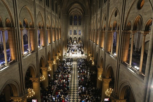 Stock Photo: 1606-187294 Notre Dame Cathedral nave. Paris . France.