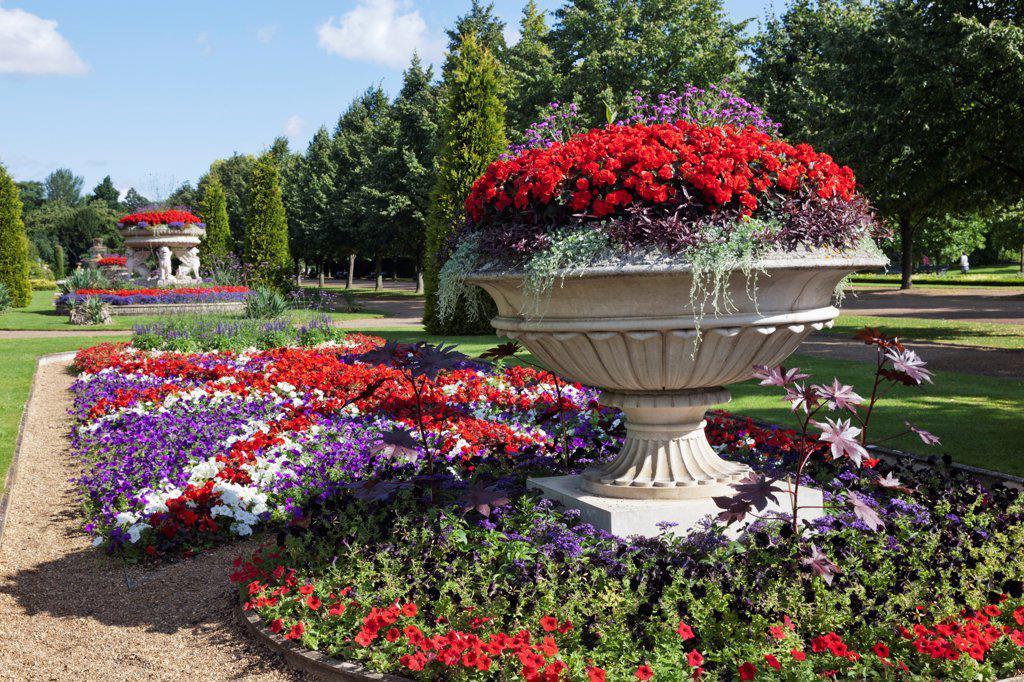 England,London,Regents Park,Avenue Gardens : Stock Photo