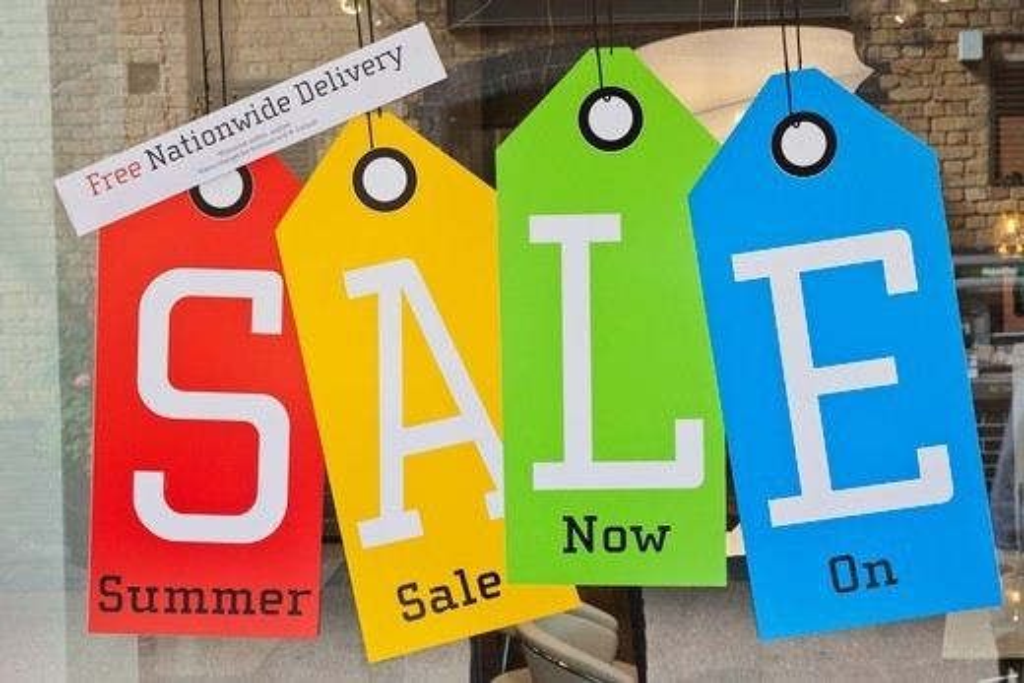 England,London,Whitechapel,Spitalfields Market,Sale Sign : Stock Photo