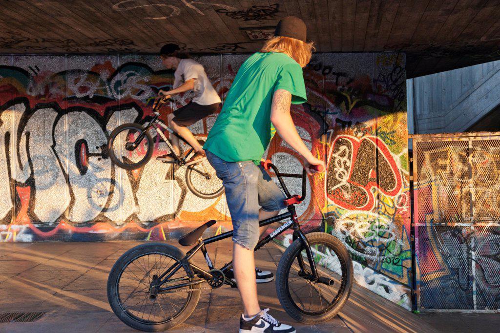 England,London,Southwark,South Bank,Southbank Centre,BMX Biker : Stock Photo