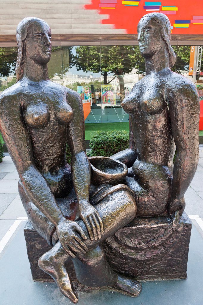 "England,London,Southwark,South Bank,Southbank Centre,Sculpture titled """"London Pride"""" by Frank Dobson : Stock Photo"