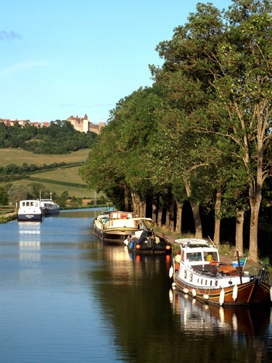 France, Burgundy Canal, Poully En Auxois, Barges Along The Burgundy Canal : Stock Photo