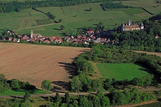 Stock Photo: 1606-195489 France, Cote-D'Or (21), Rochepot, Burgundy Village, Dominated By The Castle Of The Thirteenth Century And Rochepot Fifteenth Century (Aerial Photo)