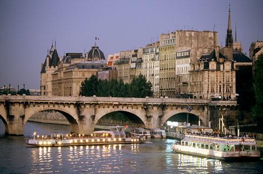 France, Paris, 1er arr., Ile de la Cité, Pont Neuf : Stock Photo