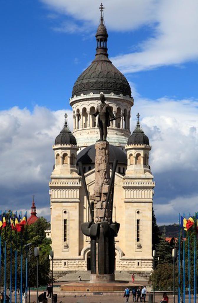 Stock Photo: 1606-199701 Romania, Cluj-Napoca, Orthodox Cathedral, Avram Iancu Statue,