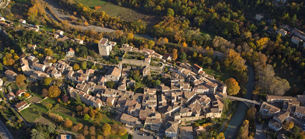 France, Drome (26), Mollans-Sur-Ouveze, Tourist City, Wearing Baronnies, It Is Located On The River Ouveze, A Tributary Of The Rhone (Aerial Photo), : Stock Photo
