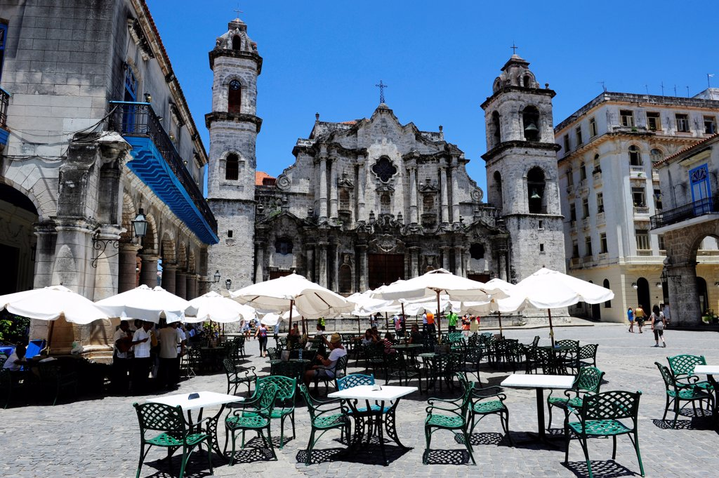Stock Photo: 1606-201741 Catedral De San Cristobal De La Havana, Plaza De La Catedral, Cuba