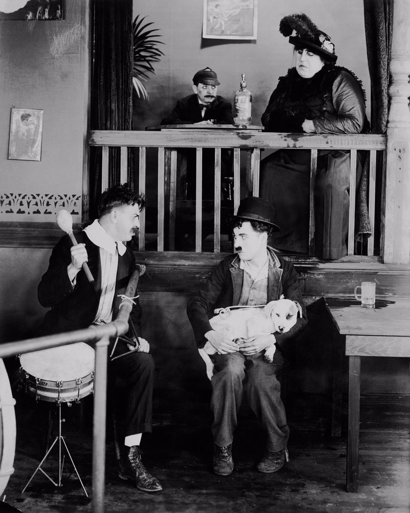 Stock Photo: 1606-203398 Charles Chaplin, A Dog's Life, 1918 directed by Charles Chaplin (A First National Pictures)