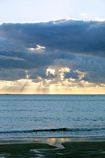 France, Pays de la Loire, Loire-Atlantique, La Baule, sea at dusk : Stock Photo
