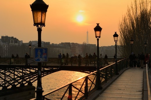Stock Photo: 1606-208288 France, Ile-de-France; Paris , bridge Passerelle des Arts