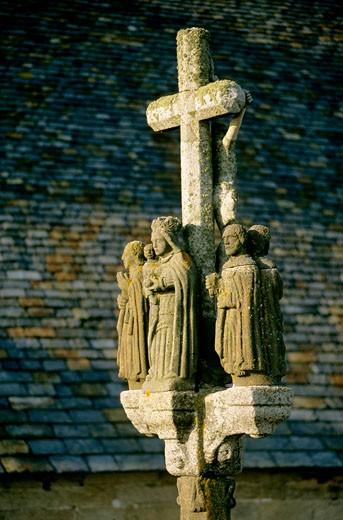 France, Brittany, Finistère, Pointe de Penmarc'h, calvary : Stock Photo