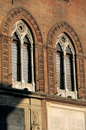Italy, Emilia Romagna, Bologna, Accurzio Palace on Piazza Maggiore : Stock Photo